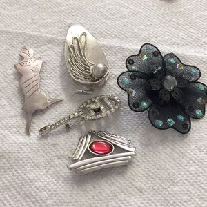 Bundle of Brooches